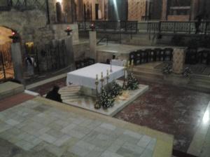 195 basilica inside02