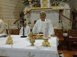 226 bishop concelebrated at wedding church mass02