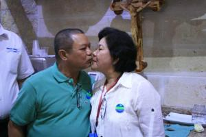 Mr. and Mrs. Danilo and Lucy Decio during the short celebration after their Renewal of Marriage Vows in a souvenir shop (courtesy of Rence Galbo)