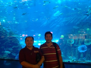 Me and Fr. Estong at Dubai Aquararium in Dubai Mall