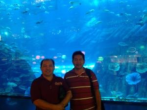Me and Fr. Estong at Dubai Aquararium in Dubai Mall