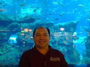 Me at Dubai Aquararium-Dubai Mall