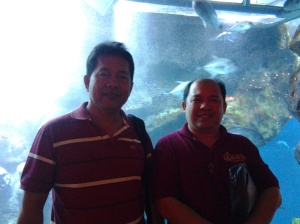 824 Me and Fr. Estong at dubai aquarium-Dubai Mall