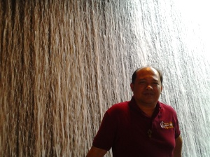 Me at a Flowing water at dubai mall