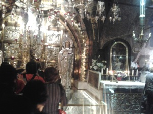 547 Queuing to the Holy Sepulchre