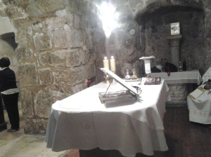 An altar of a chapel in the Holy Sepulchre Church where our Mass was held
